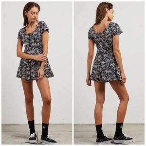 Volcom What A Looker Romper Small